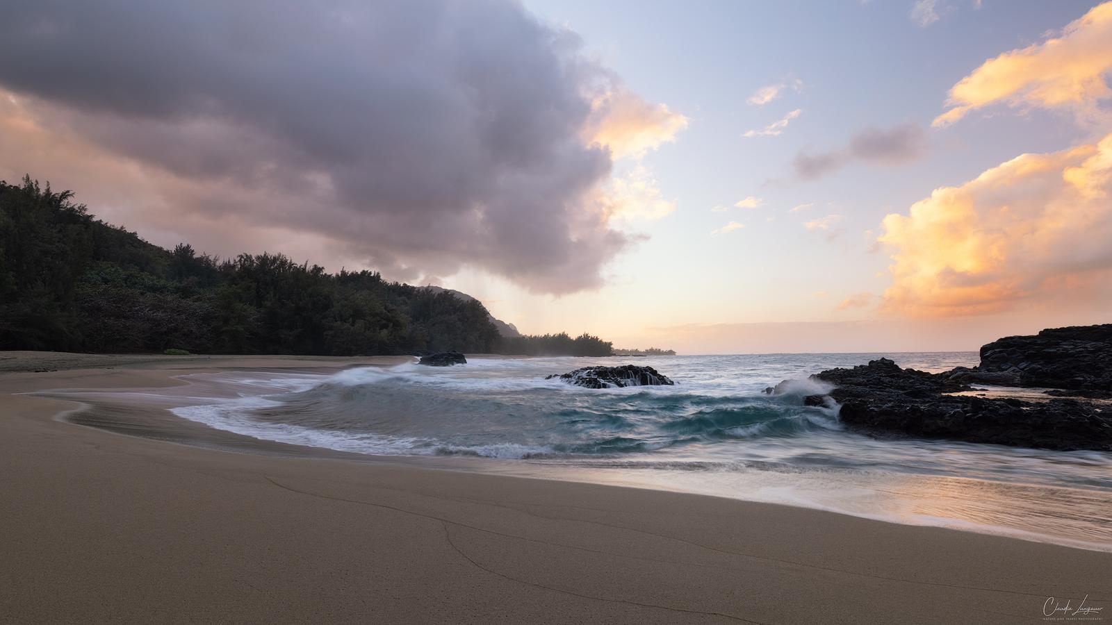 Big waves at Kahalahala Beach on the north shore of Kauai island in Hawaii.